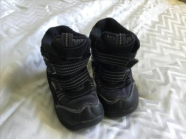 Winter boots size 10