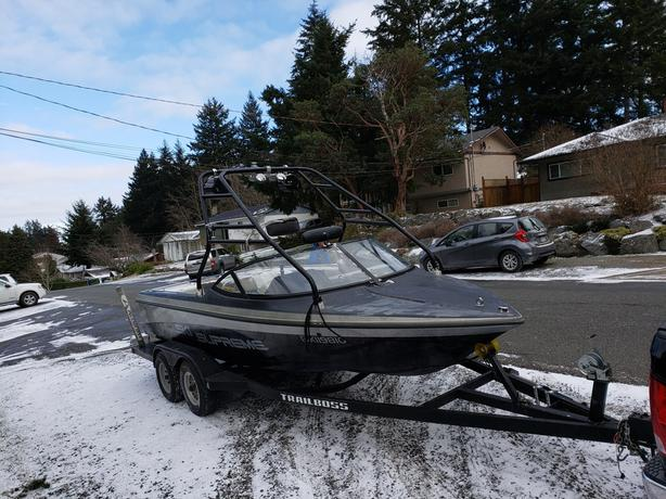 21 ft Ski Supreme 330hp Mercrusier only 198 hrs !