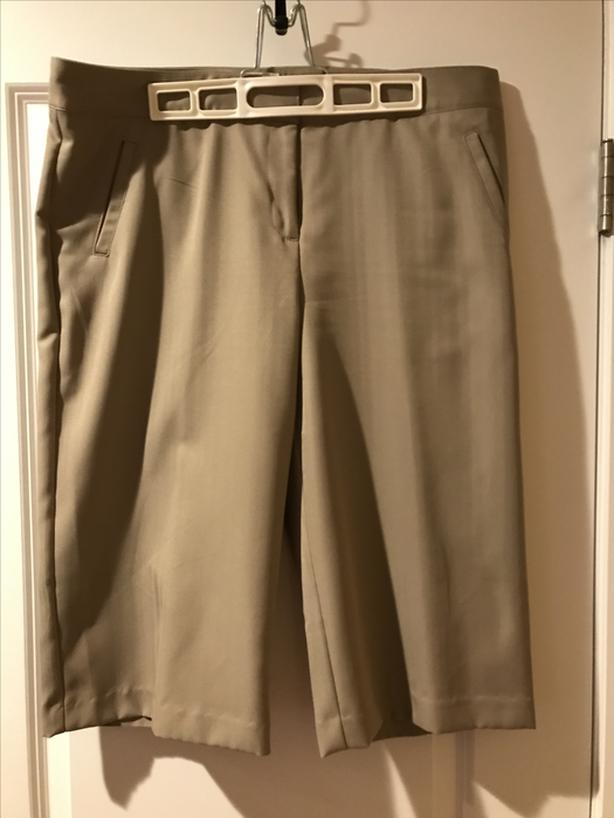 IZOD Capris/Shorts Size 14 **REDUCED**