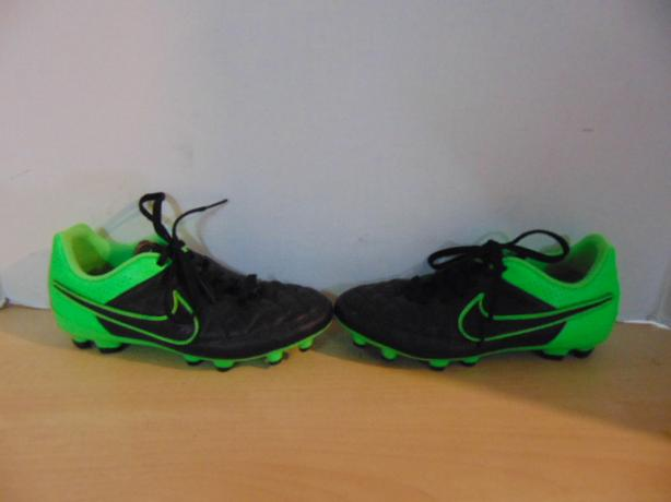 new product ee634 293e0 Soccer Shoes Cleats Child Size 3.5 Nike Tiempo Green Black ...