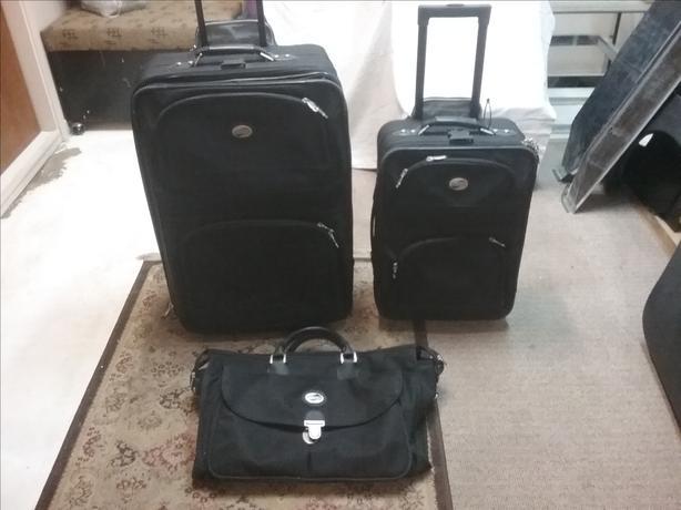 34c968326 Luggage Saanich, Victoria
