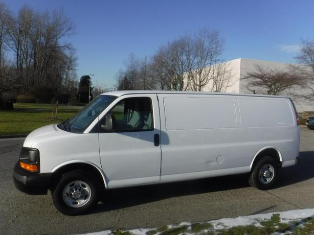 2013 Chevrolet Express 2500 Extended Cargo Van with Bulkhead Divider