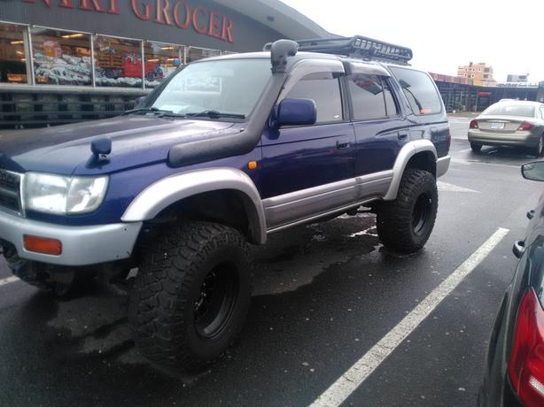 """Extremely Rare Toyota Hilux, Wide body, 3L Turbo Diesel, 3"""" lift"""