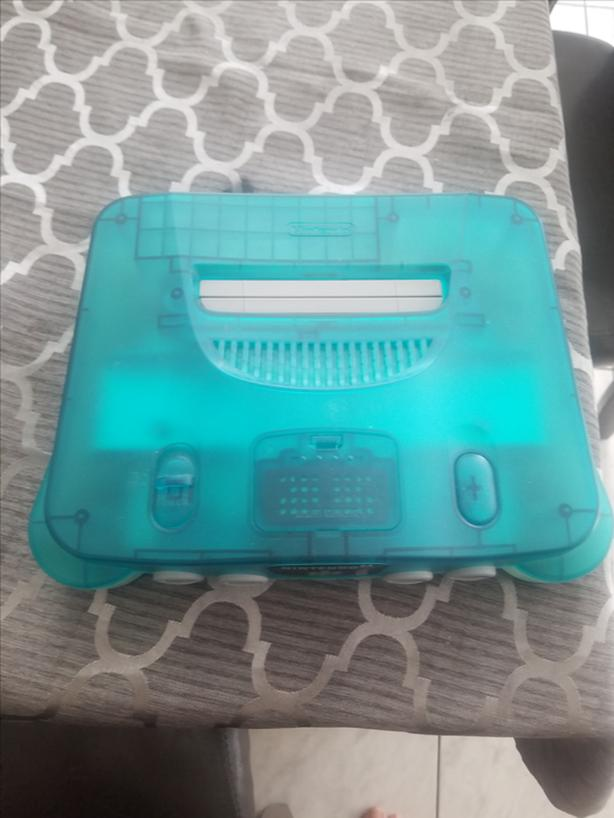 FOR-TRADE: Rare blue and clear N64