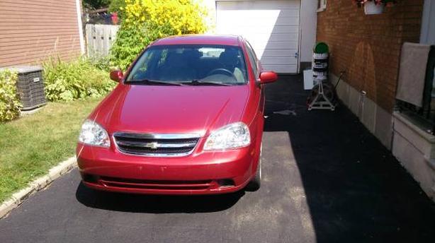 Chevrolet Optra 04 - $700 (65 West Cordova)