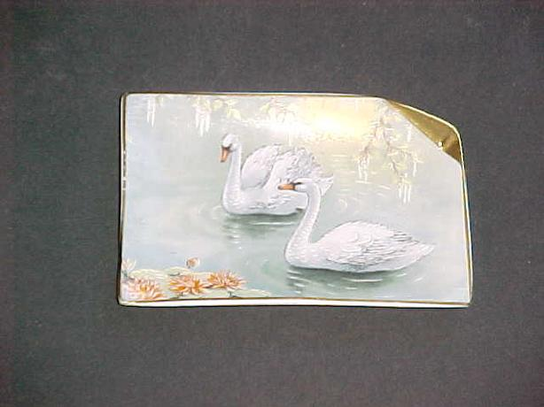 DECORATIVE SWAN PLATE