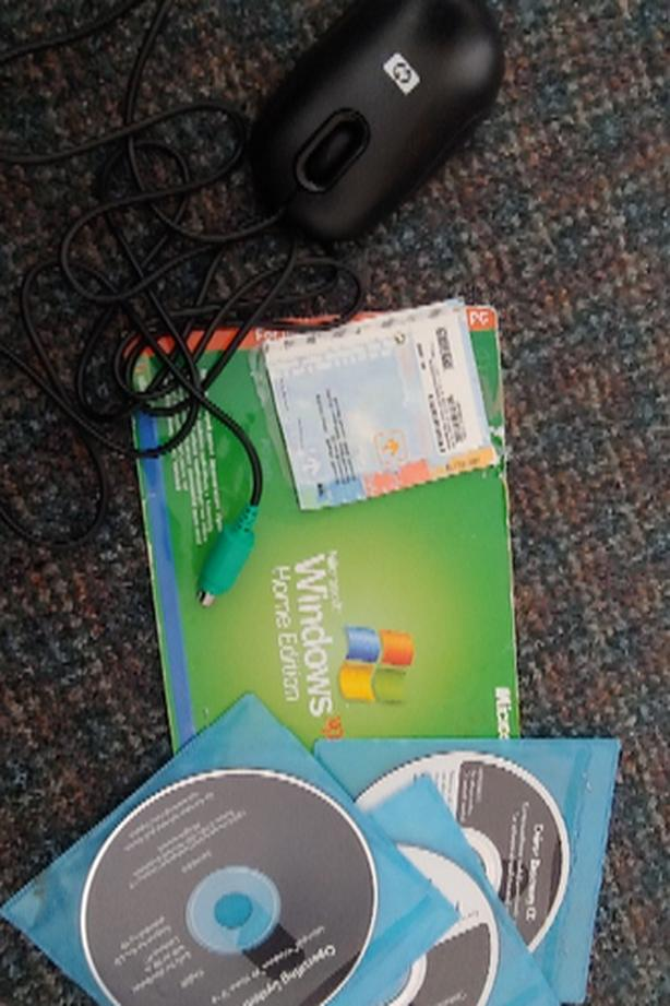 FREE: Windows XP Program Disks and Mouse