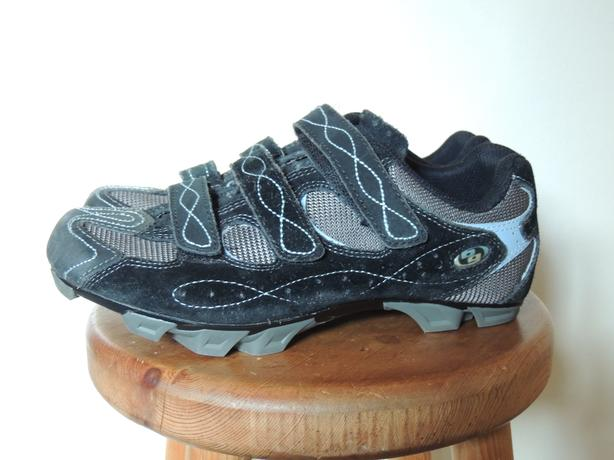 Body Geometry by Specialized size 9 w's bike shoes, near new condition