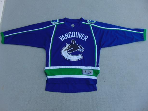 43a363d28a1 Hockey Jersey Child Size Large 10-12 NHL Canucks Victoria City