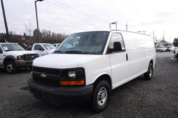 2008 Chevrolet Express 2500 Extended Cargo Van with Rear Shelving and Bulkhead D