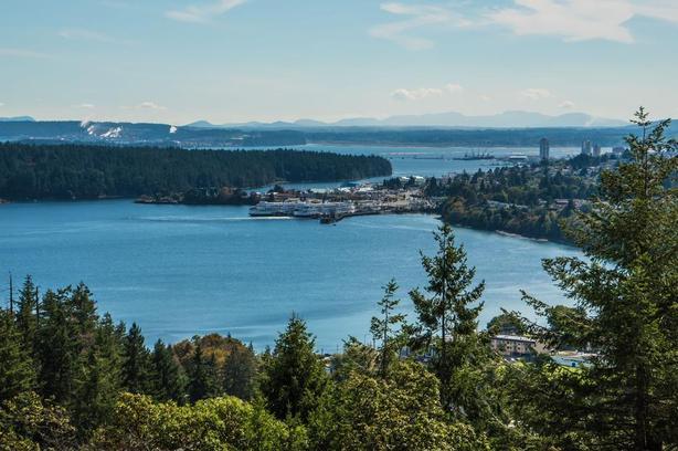 Beautiful Ocean View Townhome- Nanaimo