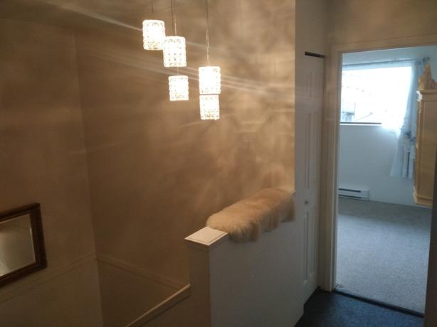 Room for rent in Hillside area - partial trade