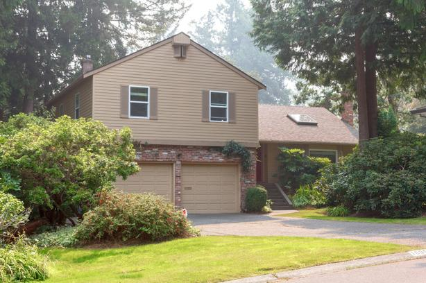 Cozy beautiful Broadmead home Available