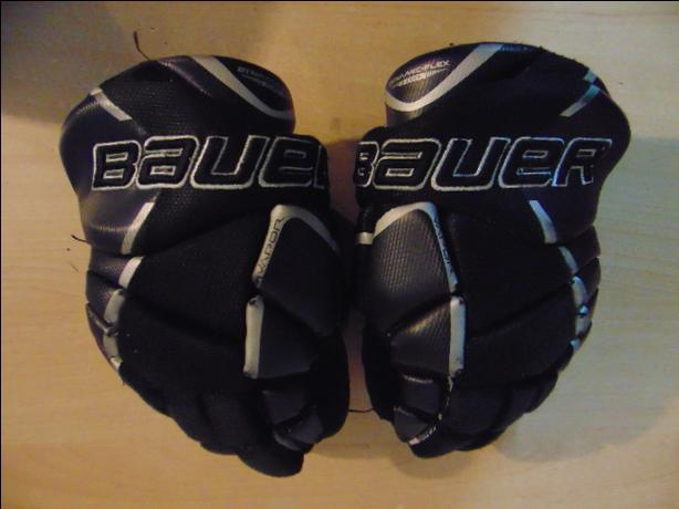 Hockey Gloves Child Size 10 inch Bauer Vapor X Velocity