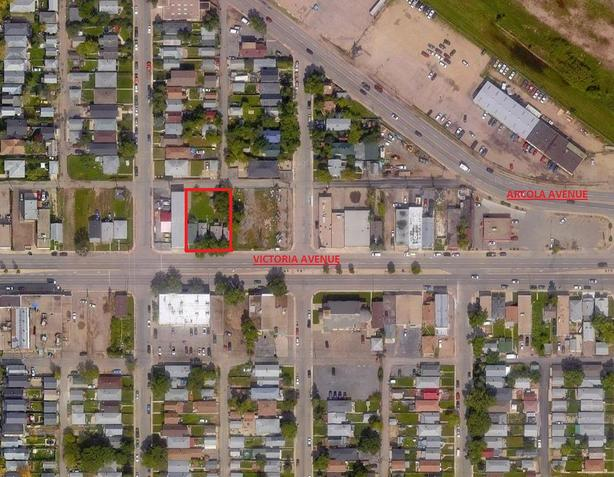4 House in a row For Sale in Regina - Commercial Development Opportunity