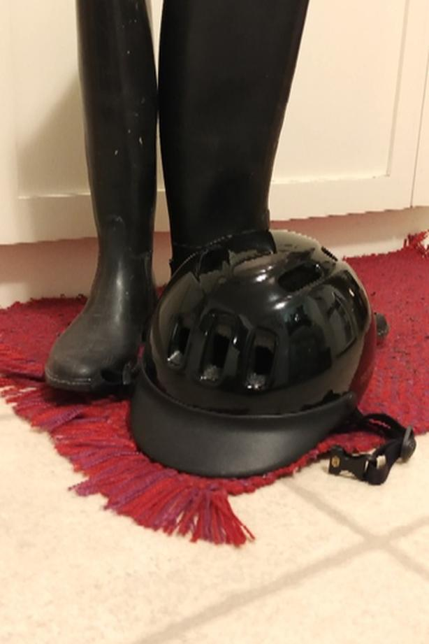 Rubber riding boots w/sports helmet