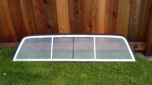 rear sliding window