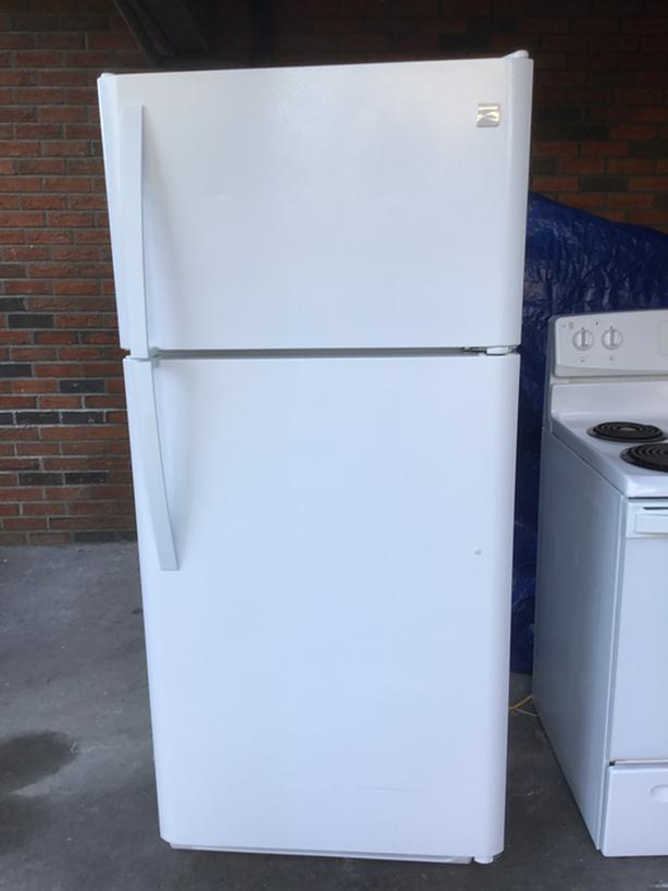 Kenmore 19 Cu.Ft. Refrigerator - White - Great Condition