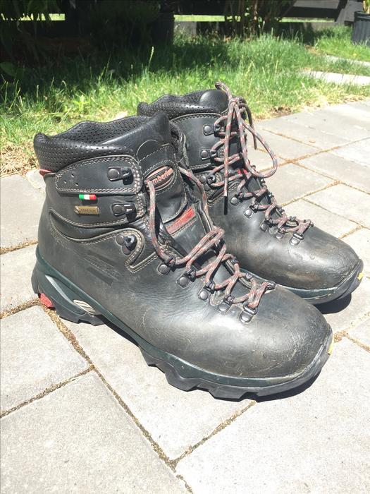 dea3a3aa9cc $125 · Zamberlan 996 Vioz GT Men's 9.5 Hiking Boots