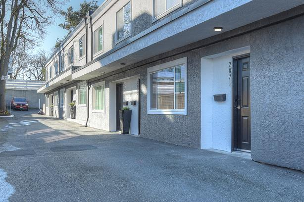 Totally renovated 2&3 BDRM oak bay townhomes