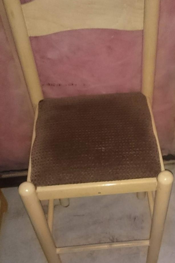 1 Wooden Barstool