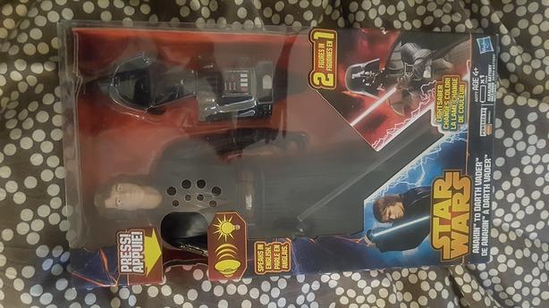 Star wars Anakin to Vader action figure nib