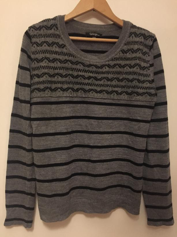thin sweater Womens Medium