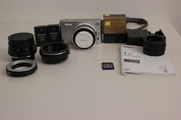 Nikon 1 J1 Mirrorless Bundle