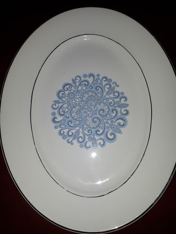 PLATTER GIANT WEDGEWOOD 16 X 13 Great for Thanksgiving or Christmas Turkey.