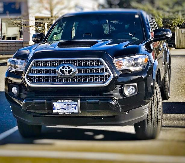 2017 Toyota Tacoma TRD Sport Double Cab 4x4 Manual Lease Takeover or buyout