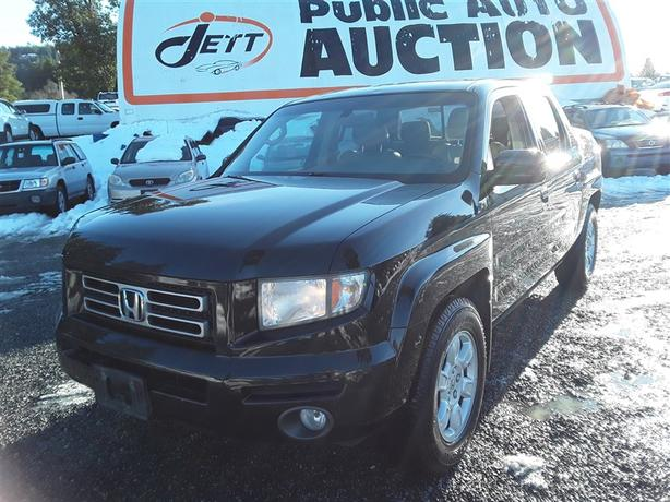 2007 Honda Ridgeline 3.5L V6 4x4 unit with box liner, tow pack and much more!
