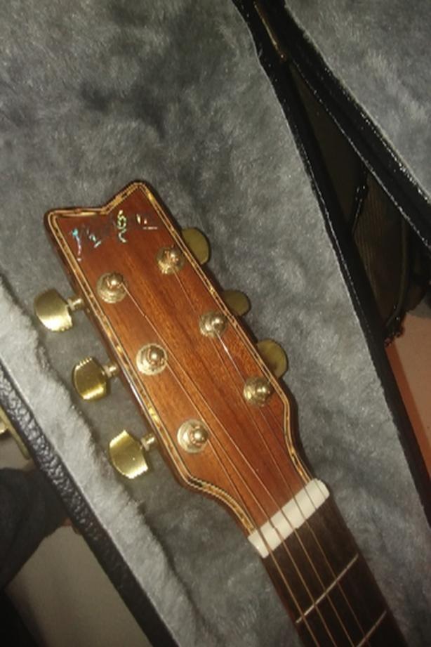 FOR TRADE: washburn acoustic