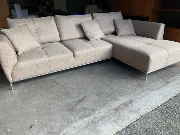 Awe Inspiring Contempory High End Sectional Sofa Saanich Victoria Frankydiablos Diy Chair Ideas Frankydiabloscom