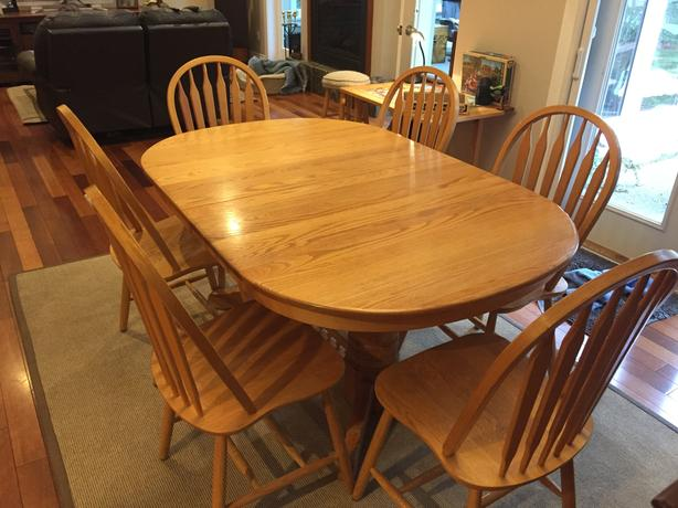 Solid Oak Dining Table And Chairs Parksville Nanaimo Mobile
