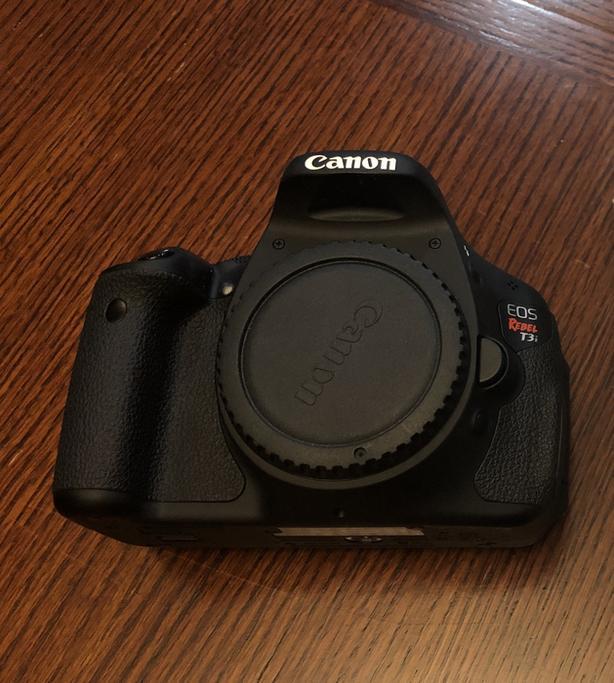 Canon T3i Body