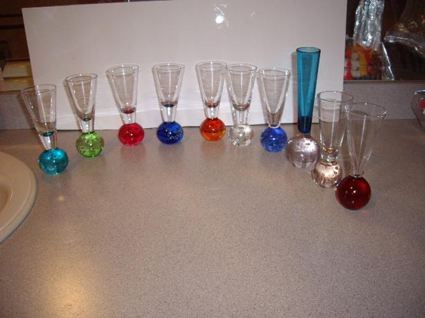 GLASSES WITH BUBBLE BALL BOTTOM