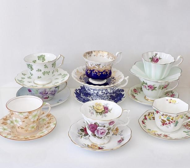 Assorted Bone China Teacups & Saucers Royal Albert, Aynsley...
