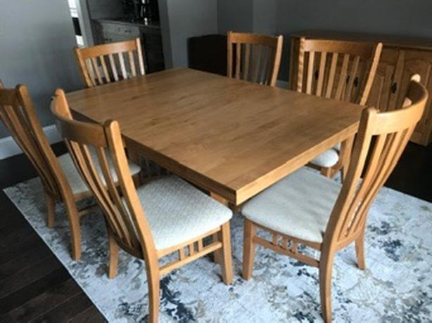 Solid birch dining room table & chairs