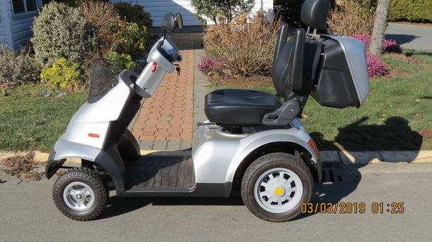 Breeze S4 – Scooter