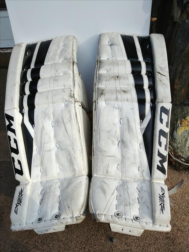  Log In needed $100 · CCM Extreme Flex 760 32+1 Goalie Pads
