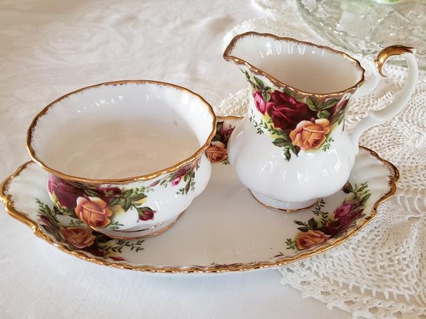Royal Albert Old Country Roses Mini Creamer, Mini Sugar Bowl and Tray