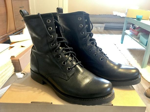 25fcfba6e06  Log In needed $220 · New Frye Veronica Combat Boot s7.5