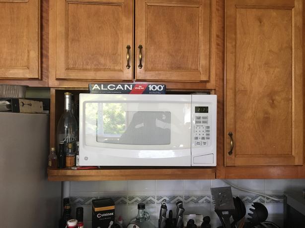 GE 1100W Microwave
