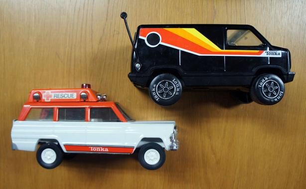 Three Vtg Tonka Jeep Wagoneer Rescue 1978 Party Van, pres. steel