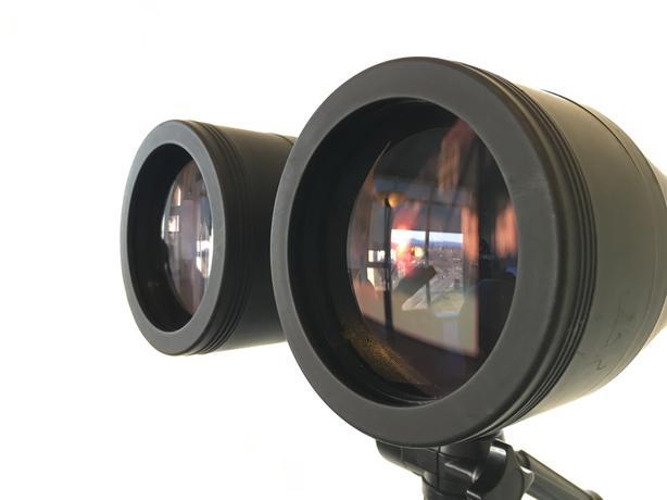 Celestron Multicoated SkyMaster 25-125x80 Zoom Binocular with  Tripod