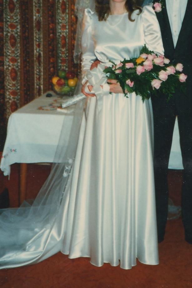 Vintage / retro white satin long sleeve wedding dress, sz 12-14 (clean, in box)