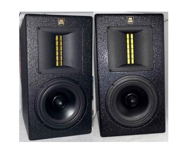 Studio Monitors High End Speakers