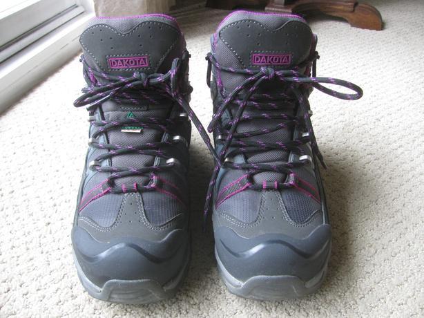 Dakota size 6M steel-toed boots