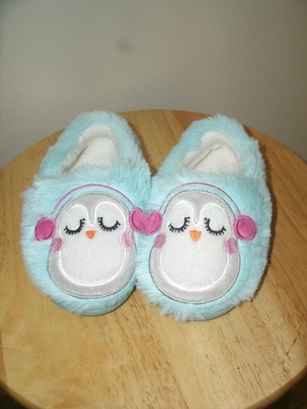 Toddler plush Slippers size 5-6