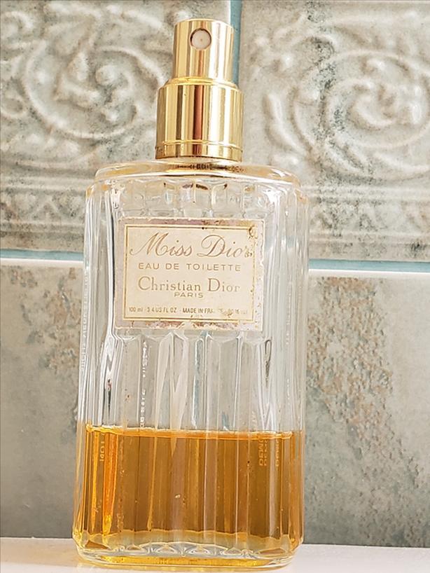 Miss Dior Vintage Eau de Toilette 100 ml 40 ml left
